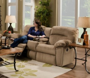 Southern Motion Splendor Double Reclining Console Loveseat 591-28-2
