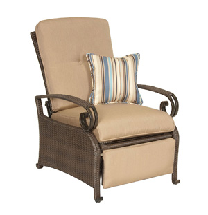 La-Z-Boy Lake Como Patio Recliner - Best Patio Recliners